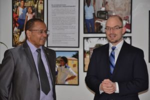 Seine Excellenz Andreas B. D. Guibeb, Botschafter von Namibia Geschäftsführer Christian van den Kerckhoff,