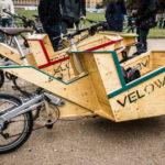 Velowerft Holzräder auf der Critical Mass