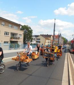Emissionsfreie Karawane: Ein Umzug in Bonn mit Fahrrädern