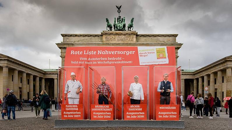Die letzten Bauern, Metzger, Bäcker und Gastronomen vor dem Brandburger Tor
